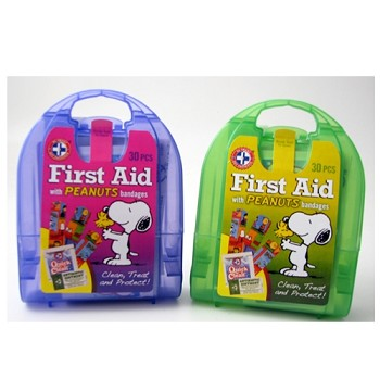 30 Piece Childs First Aid W/ Peanuts Bandages